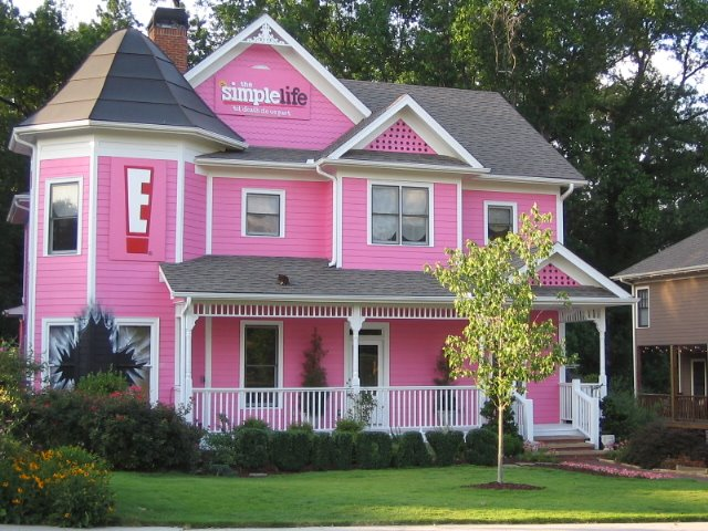 https://toopink.files.wordpress.com/2010/05/simple_life_pink_house.jpg